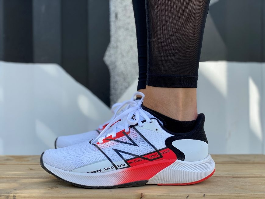 New Balance FuelCell Propel V2